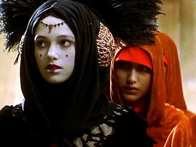 Natalie Portman and Kiera Knightley as queen and decoy in Star Wars Episode I