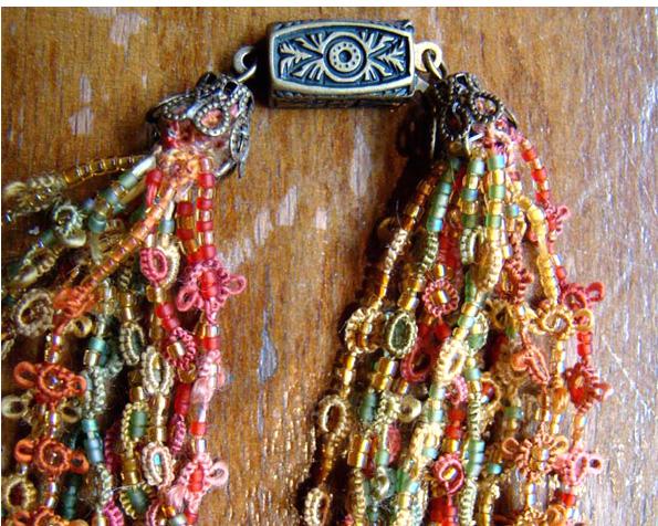Bernadette Baldelli's Silk Tatting necklace for which she received second prize at SEMA 2009 Nièvre dept.