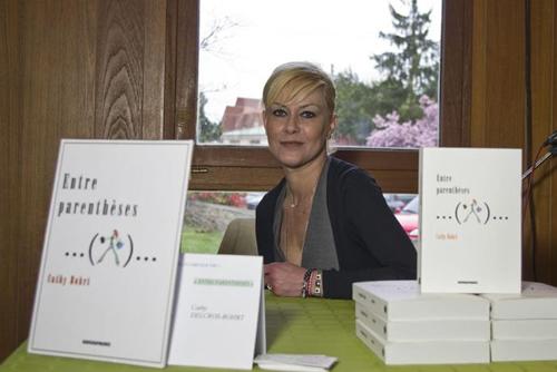 """Cathy Bohrt au salon du livre """"Plumes"""" à Viry-Chatillon"""