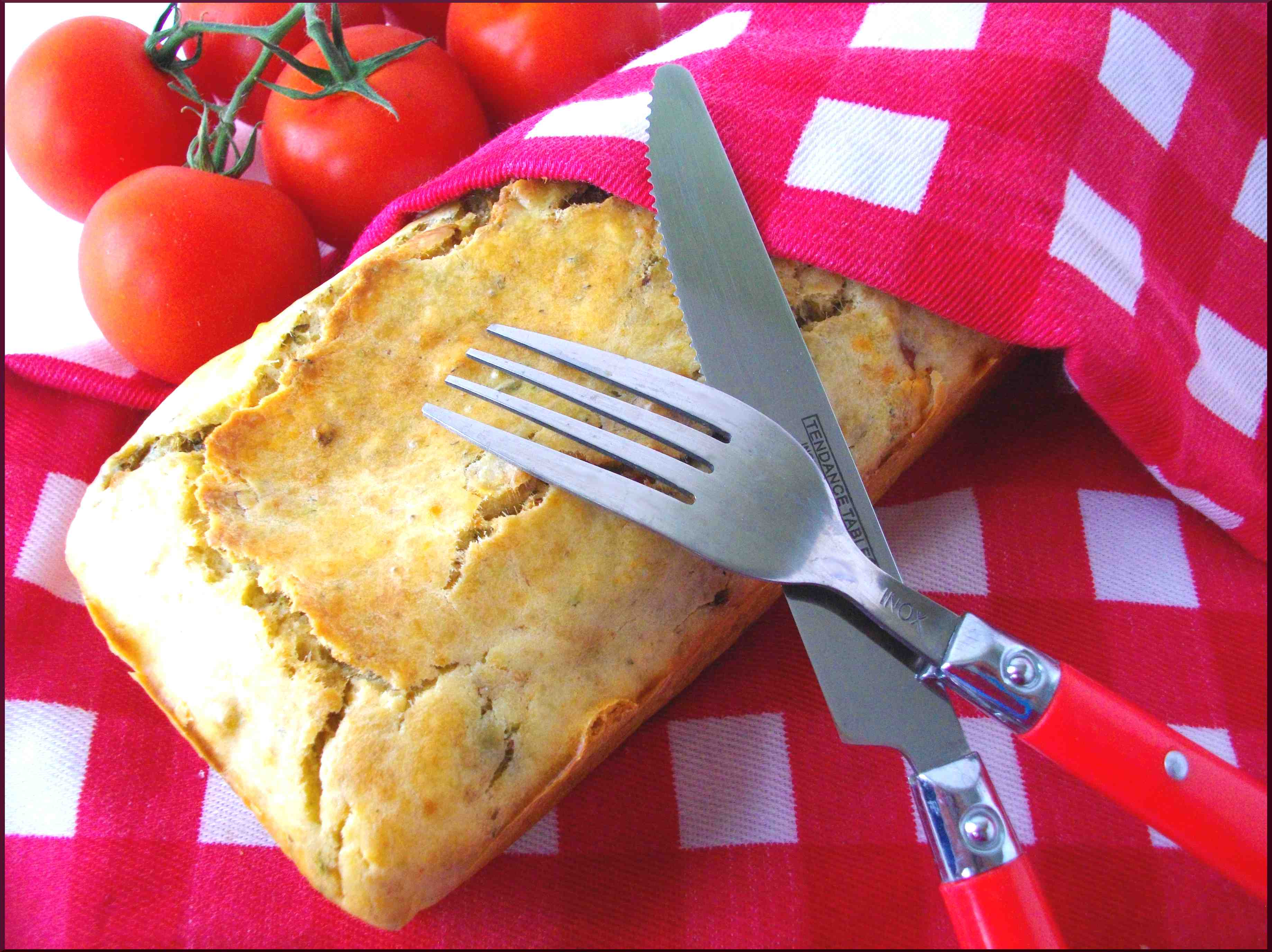 Cake apéro-dinatoire à l'huile de truffe blanche, tomates séchées et rillettes de sardine au beurre de baratte...