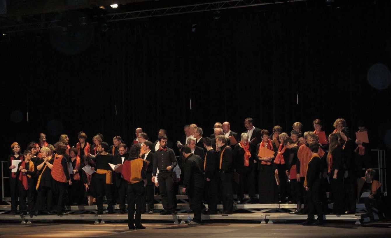 Mises en places des chorales, finale Choralissimo, direction Pascale Combettes