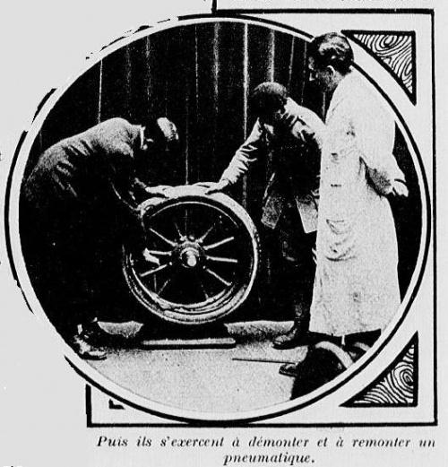1922 : cours de conduite dans Vie de Lucien