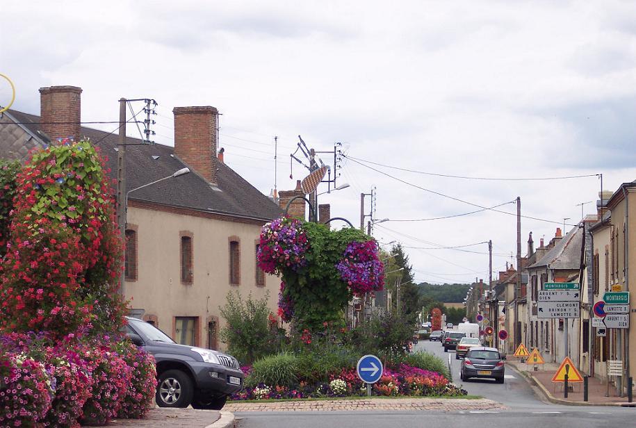 Vue d'ensemble du rond-point d'Aubigny.